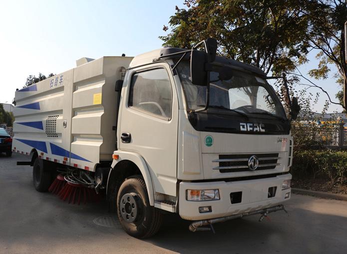 东风多利卡D7【2.5方水 5方尘】扫路车