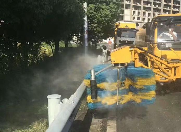 (9方)东风 高速护栏清洗车