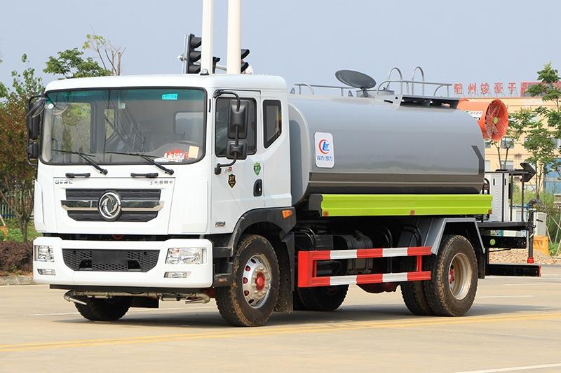国六东风D9 12吨 喷雾车
